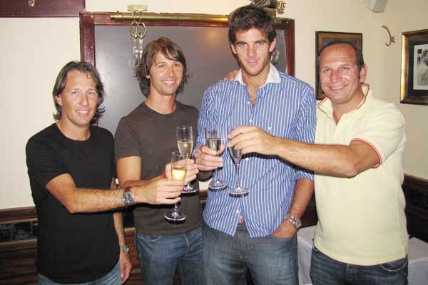 delpo with his team